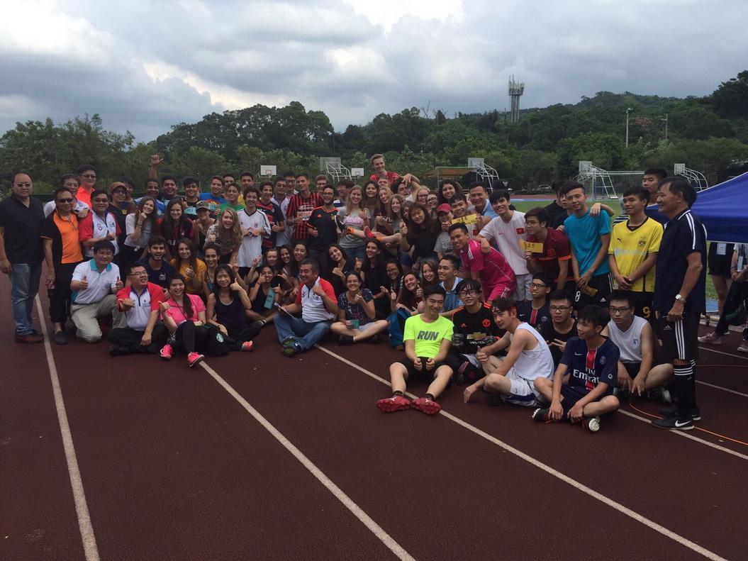 20161022協辦母校外籍生與扶輪社交換學生的足球友誼賽